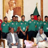 Play with confidence -PM tells cricket team